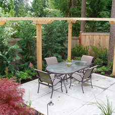 Traditional Patio by Studio 342 Landscape Architecture