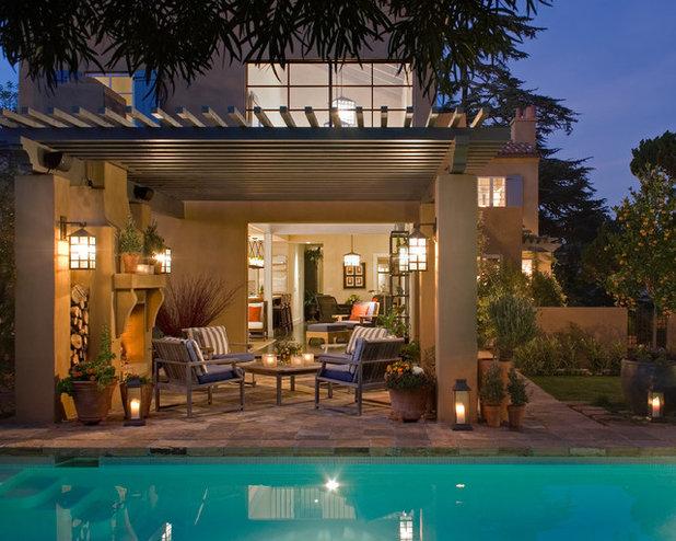 Mediterranean Patio by Bill Bocken Architecture & Interior Design