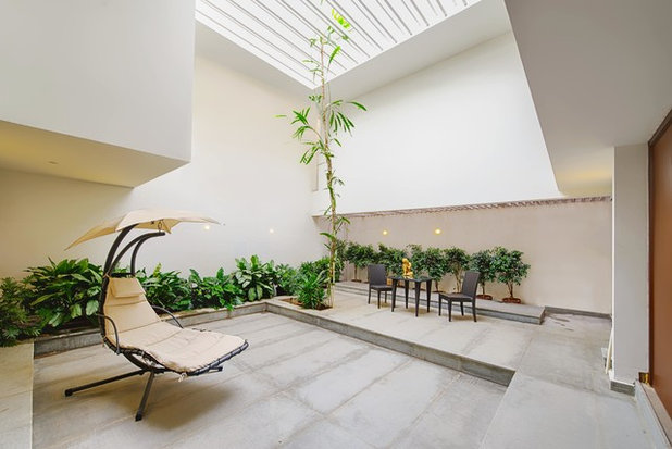 Contemporary Patio by ARCHITECTURE CONTINUOUS
