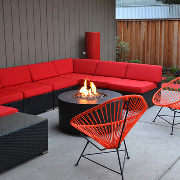 Modern Backyard for Entertaining, Playing & Working