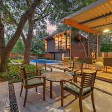 Contemporary Patio by Harold Leidner Landscape Architects