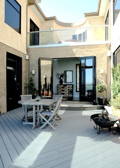 Contemporary Patio by DNM Architecture