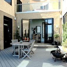 Contemporary Patio by DNM Architect