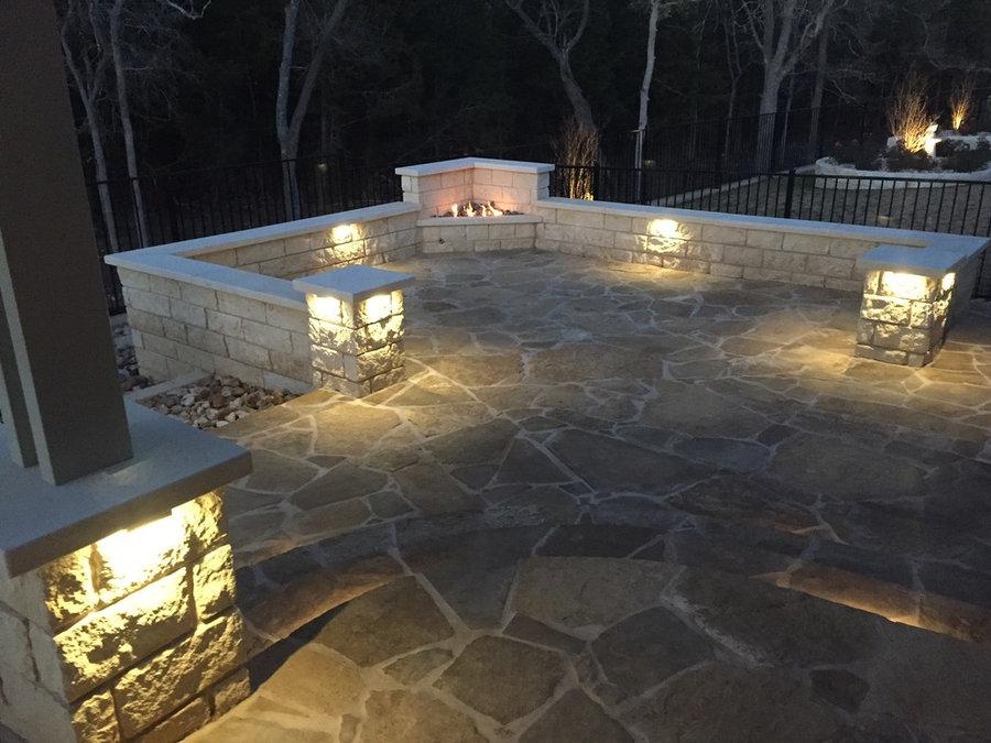 Modern flagstone patio w/ built-in corner gas fire feature