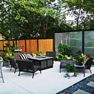 Example of a trendy patio design in Cedar Rapids