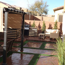 Modern Patio by JUSTIN YOUNG DESIGNS