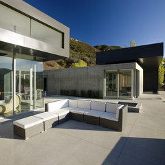 modern patio by Abramson Teiger Architects