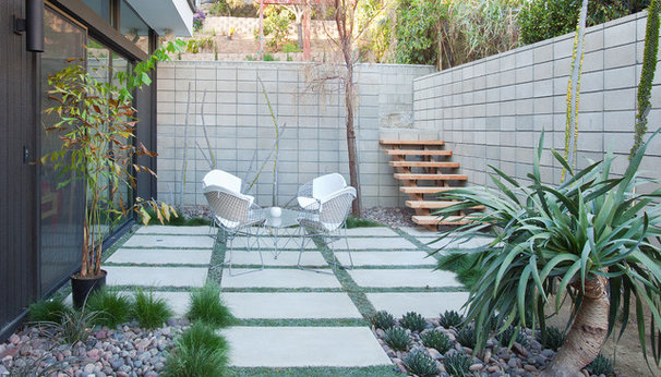 Modern Patio by Nakhshab Development and Design