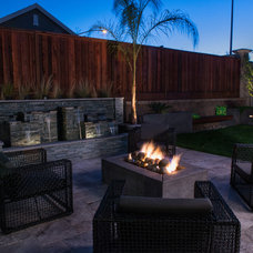 Modern Patio by Better Landscape