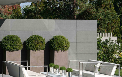 Simple Container Plantings for Intriguing Garden Design
