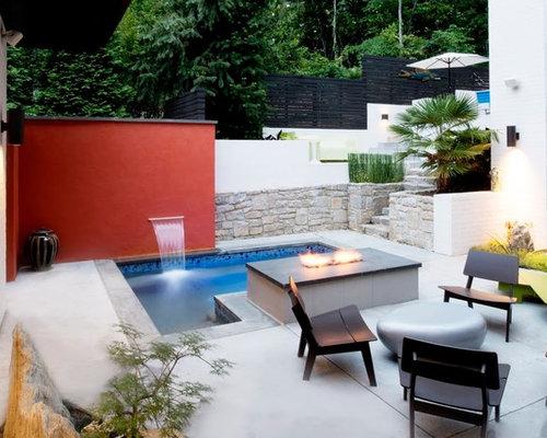 Small Modern Courtyard Decomposed Granite Patio Idea In Atlanta