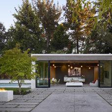 Modern Patio by Bevan Associates