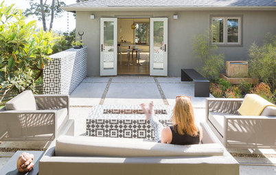 Outdoor Rooms: Take a Seat by the Fire Pit