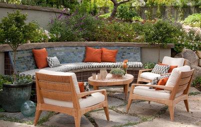 9 Built-In Garden Benches for Relaxing