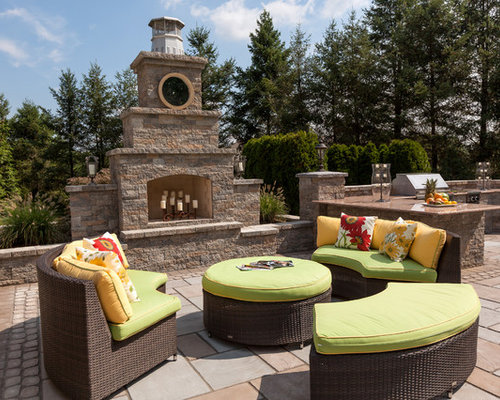 Browse 34 photos of Techo Bloc Fireplaces. Find ideas and inspiration for Techo Bloc Fireplaces to add to your own home.