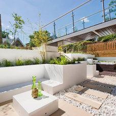 Contemporary Patio by Warwick Avenue