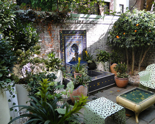 Moroccan garden houzz for Decoration jardin mediterraneen