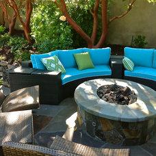 Mediterranean Patio by Garden LIghts Landscape and Pool Development Inc.