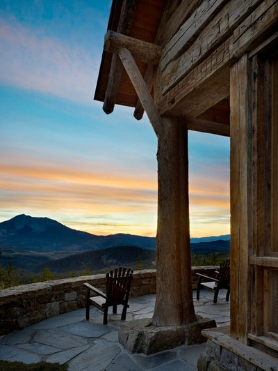 Rustikal Patio by Yellowstone Traditions