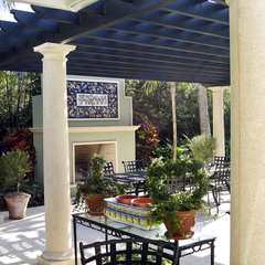 mediterranean patio by Jeff Blakely,ASLA
