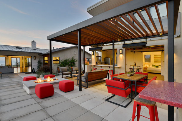 Contemporary Uteplats by Hauck Architecture