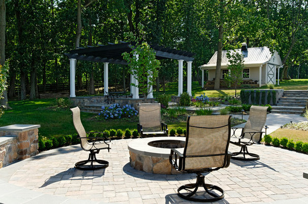 Traditional Patio by Inviting Spaces