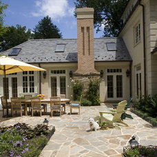 Traditional Patio by Penza Bailey Architects