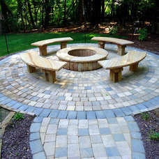 traditional patio by Vedic Gardens & Nursery, LLC