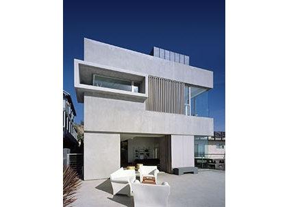 Modern Patio   Mussel Shoals House  