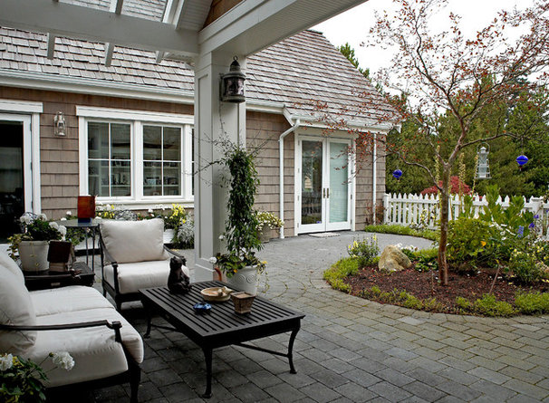 Traditional entry by dan nelson designs northwest for Dan nelson architect