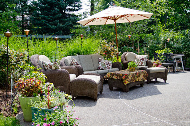 Traditional Patio by Rikki Snyder