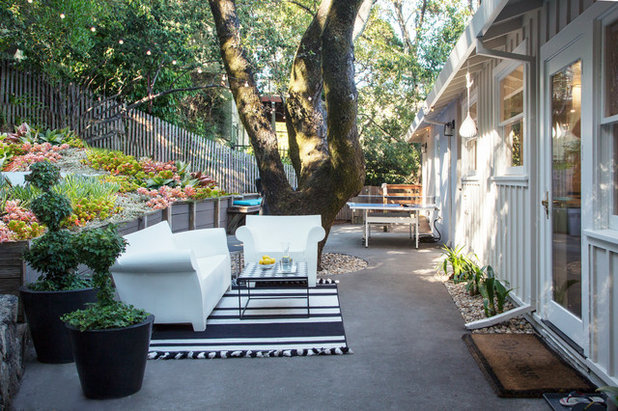 Contemporary Patio by Margot Hartford Photography