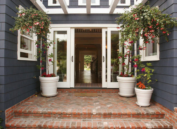Traditional Entry by Darci Goodman Design