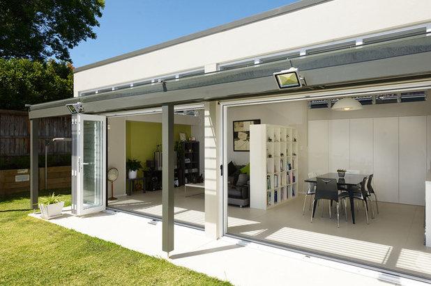 Contemporary Patio by David Baillie Architect