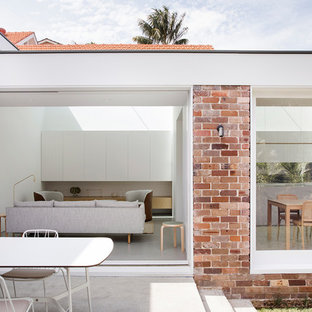 Inspiration for a modern patio in Sydney.