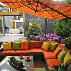 Tropical Patio by DEKA Home & Patio