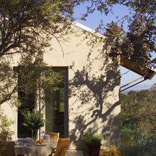 Contemporary Patio by Sutton Suzuki Architects
