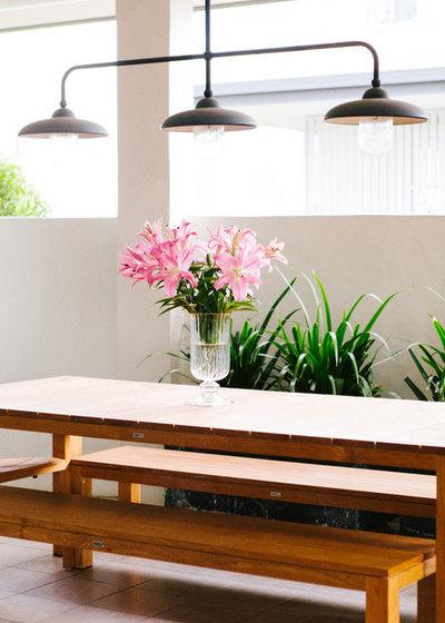 Klassisch modern Patio by Claire Stevens Interior Design