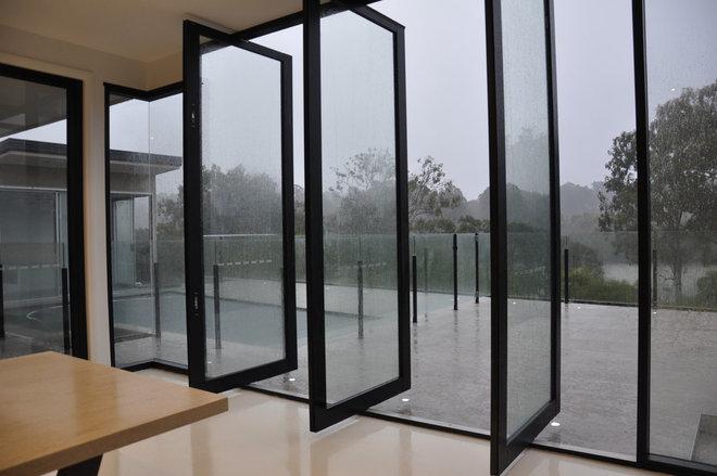 Contemporary Patio by Neo Building Design