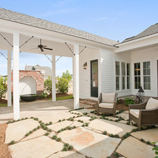 Craftsman Patio by Highland Homes, Inc.