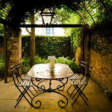 Eclectic Patio by PAGE | DUKE Landscape Architects