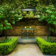 Traditional Patio by PAGE | DUKE Landscape Architects