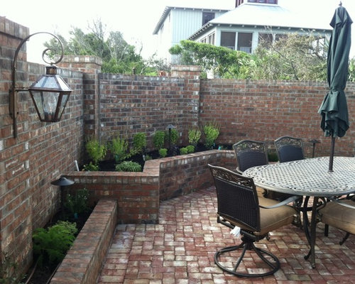 Example Of A Mid Sized Classic Front Yard Patio Design In Jacksonville With  A Vegetable
