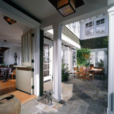 traditional patio by Sennikoff Architects