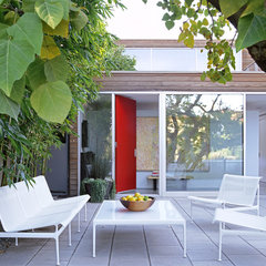 modern patio by Paul Davis Architects PC