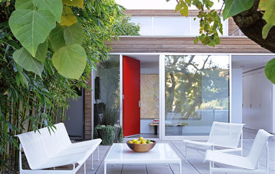 Houzz Tour: Breezy Outdoor Living in Newport Beach