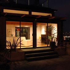 Modern Patio by David Vandervort Architects