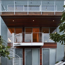 Modern Patio by Michael Mullin Architect