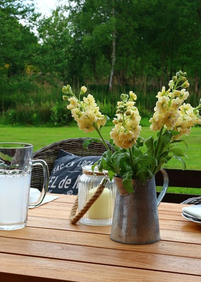 Country Patio by Dear Designer's Blog