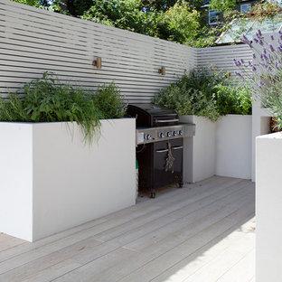 Foto di un patio o portico eclettico